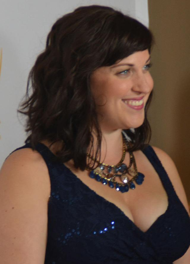 Allison Tolman sexy bsuty pictures (2)