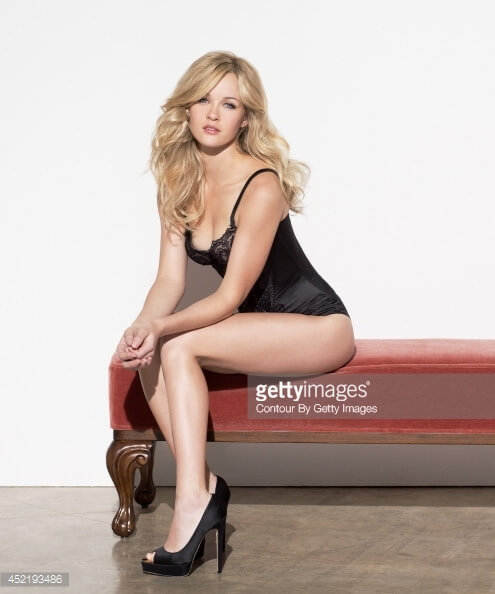Ambyr Childers hot thigh