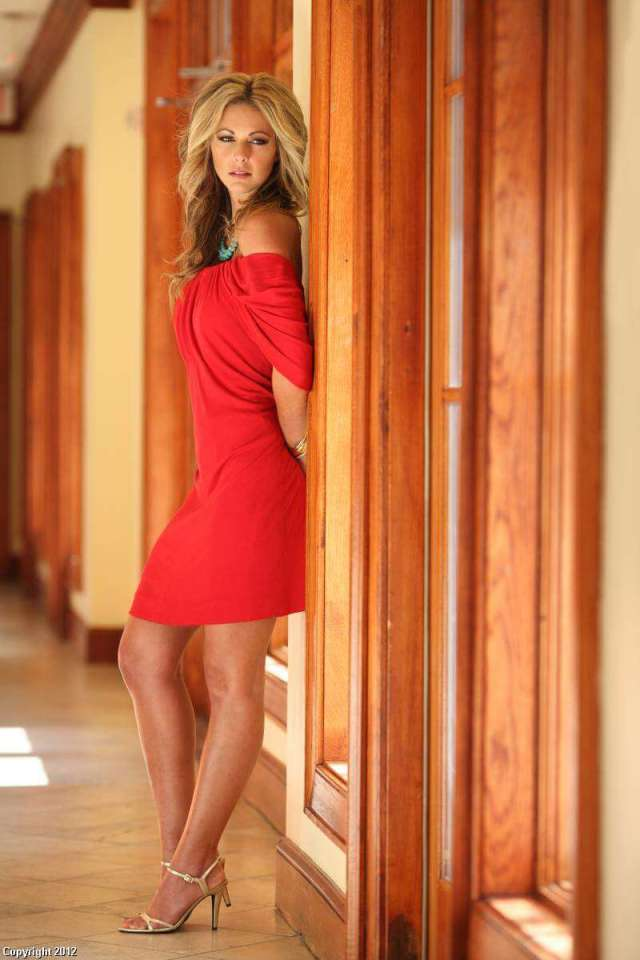 CHELSEA MEISSNER legs awesome pics