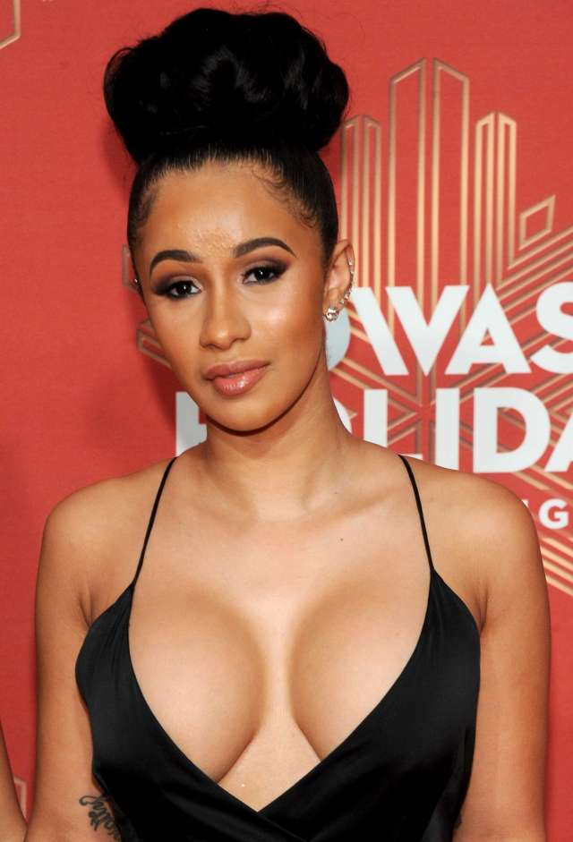 Cardi B Sexy Boobs Pictures
