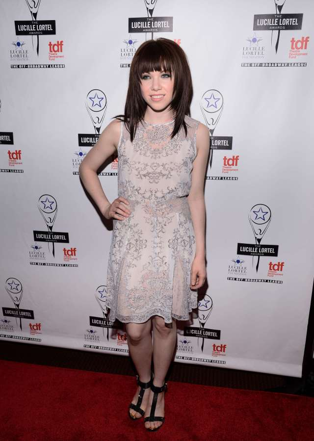 Carly Rae Jepsen sexy pictures