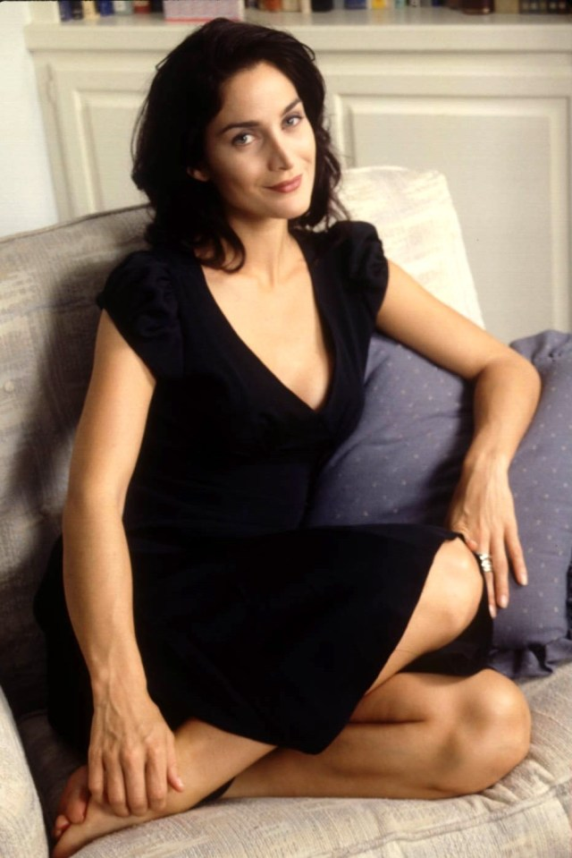 Carrie Anne Moss Photoshoot Pics