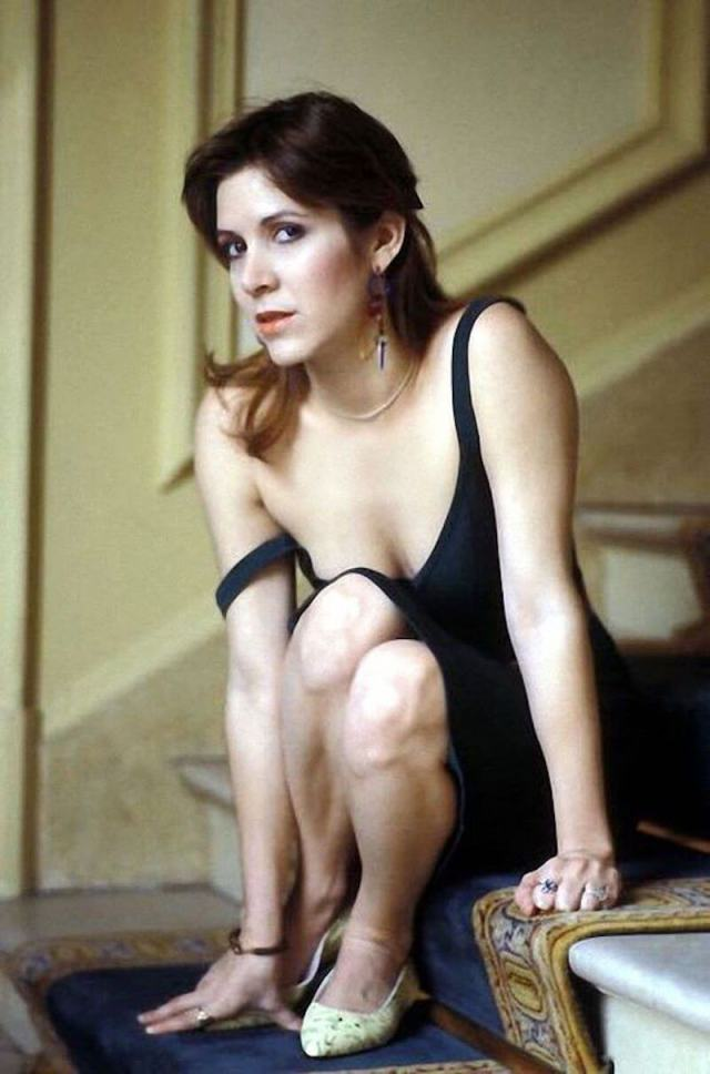 Carrie Fisher CLEAVAGE