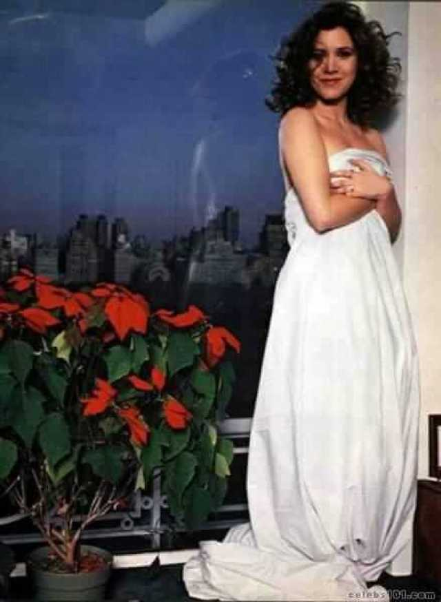 Carrie Fisher SEXY WHITE DRESS PIC