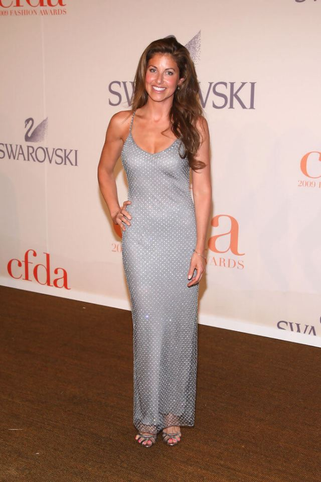 DYLAN LAUREN sexy cleavages