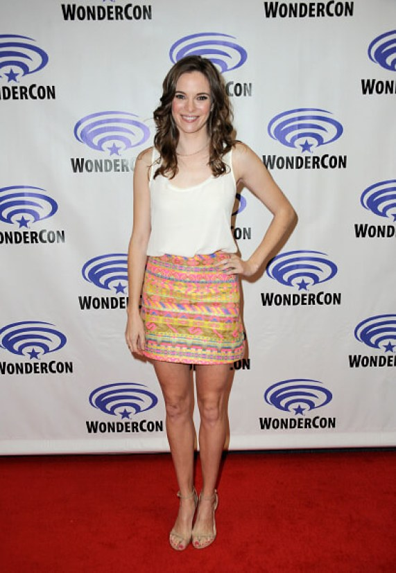 Danielle Panabaker sexy legs pic
