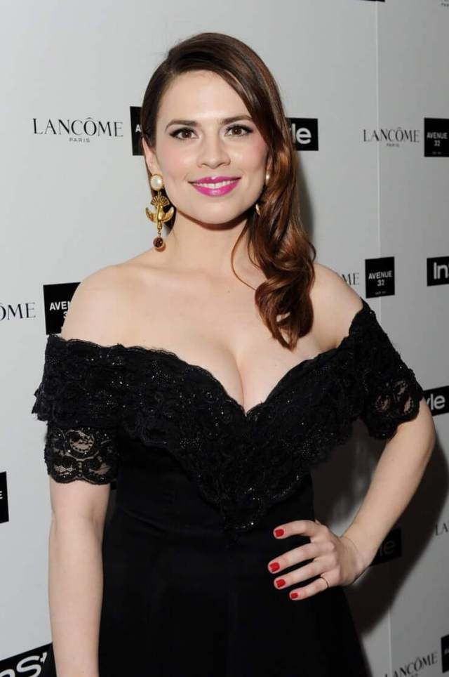 Hayley Atwell hot cleavages photo