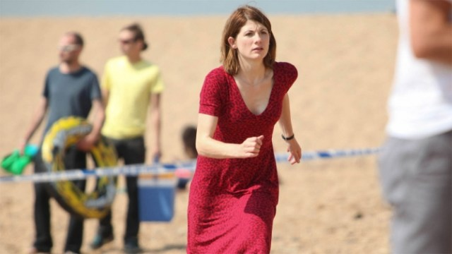 Jodie Whittaker awesome cleavages 6