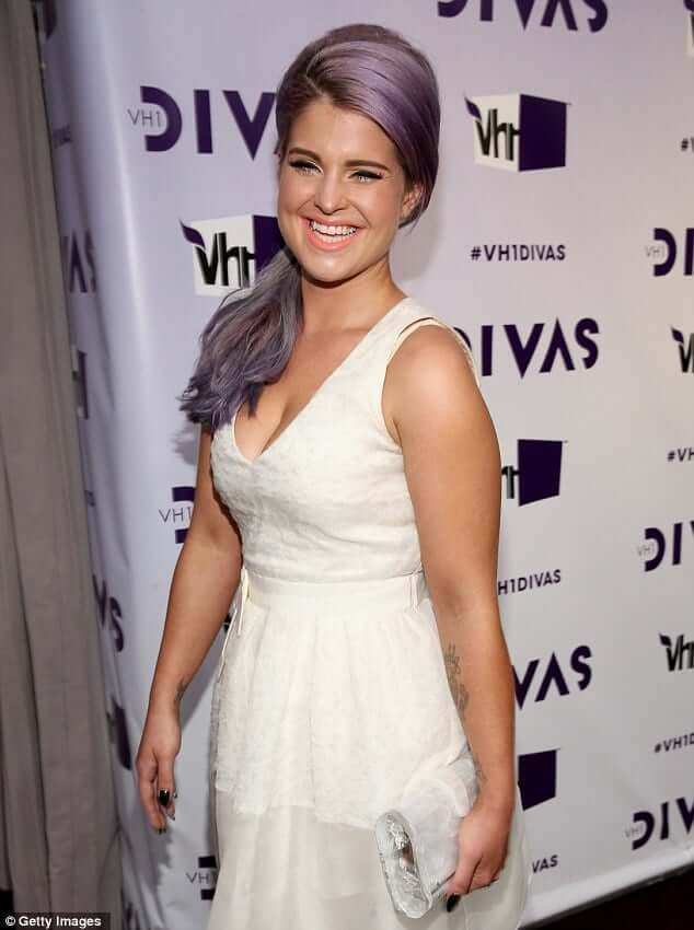 Kelly Osbourne sexy pictures