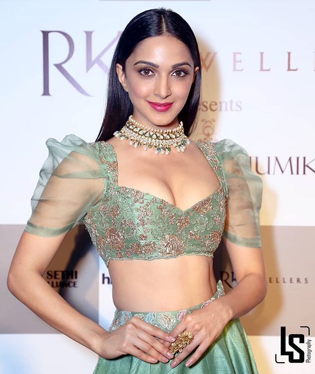 Kiara Advani Sexy Boobs Pictures on Beautifull Dress
