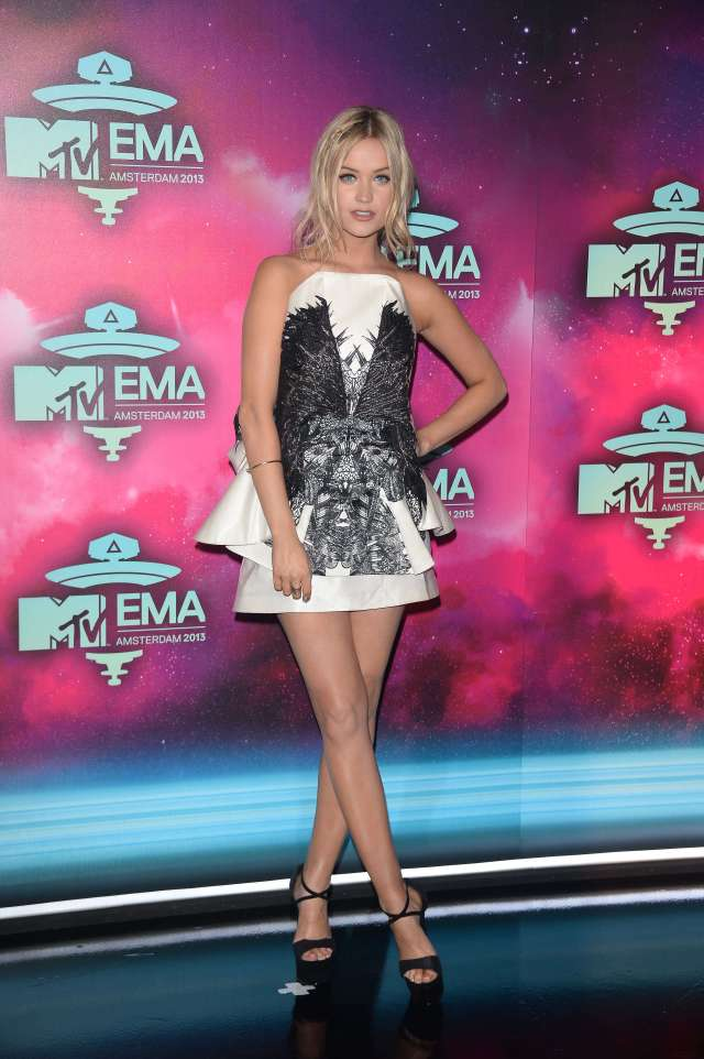 Laura Whitmore sexy thighs