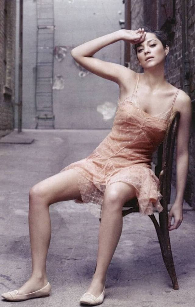 Marion Cotillard awesome cleavages