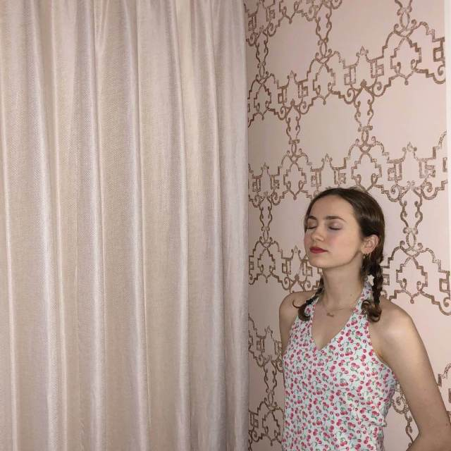Maude Apatow awesome pic