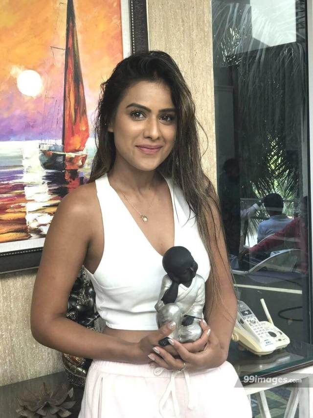 NIA SHARMA sexy pictures (2)