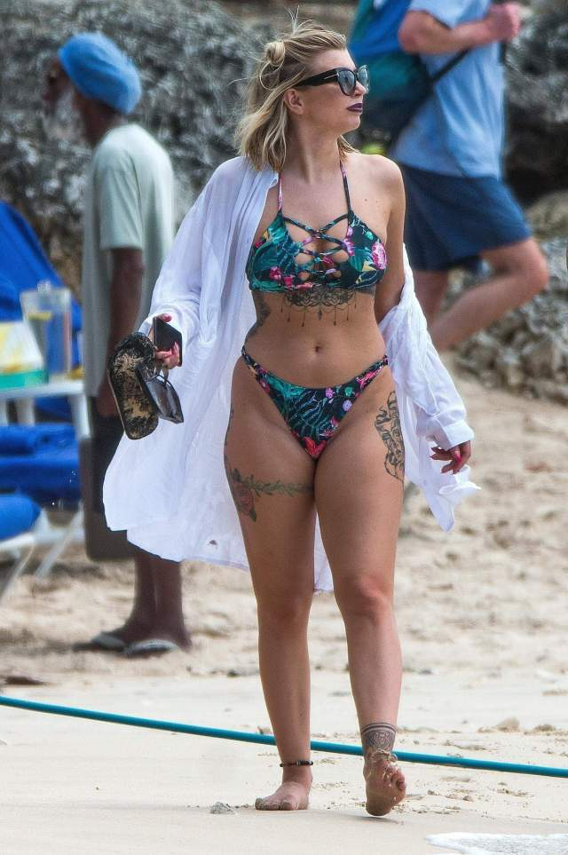 Olivia Buckland hot bsuty pic