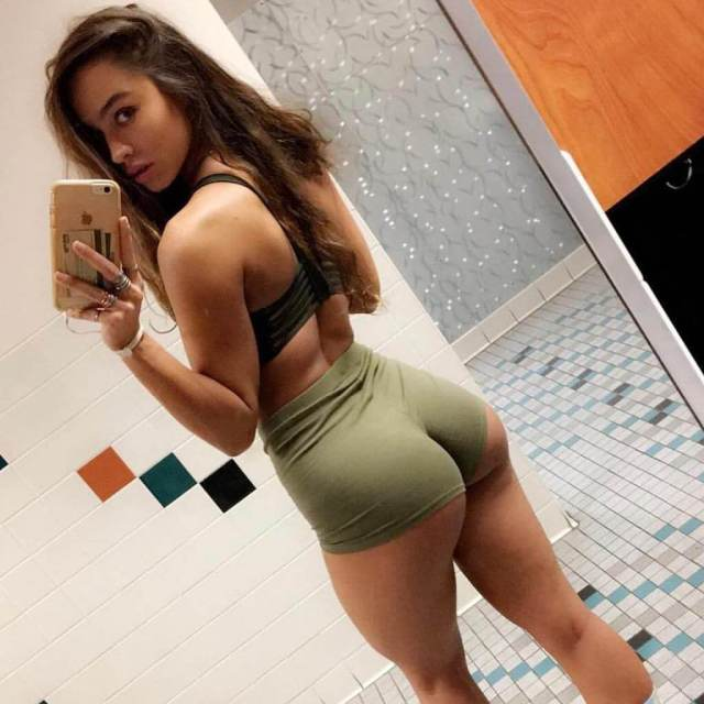 Sommer Ray hot butts