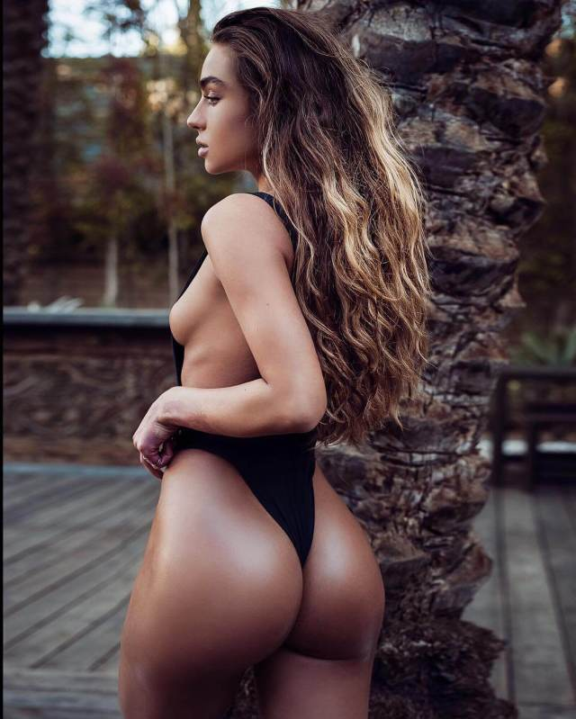 Sommer Ray sexy big butts