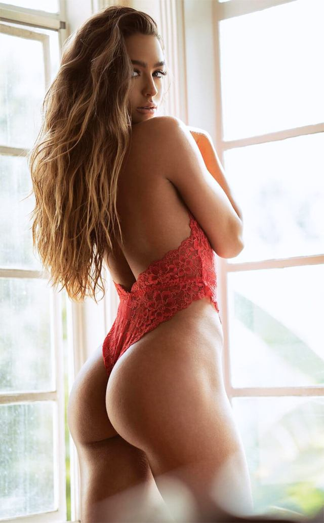 Sommer Ray sexy picture
