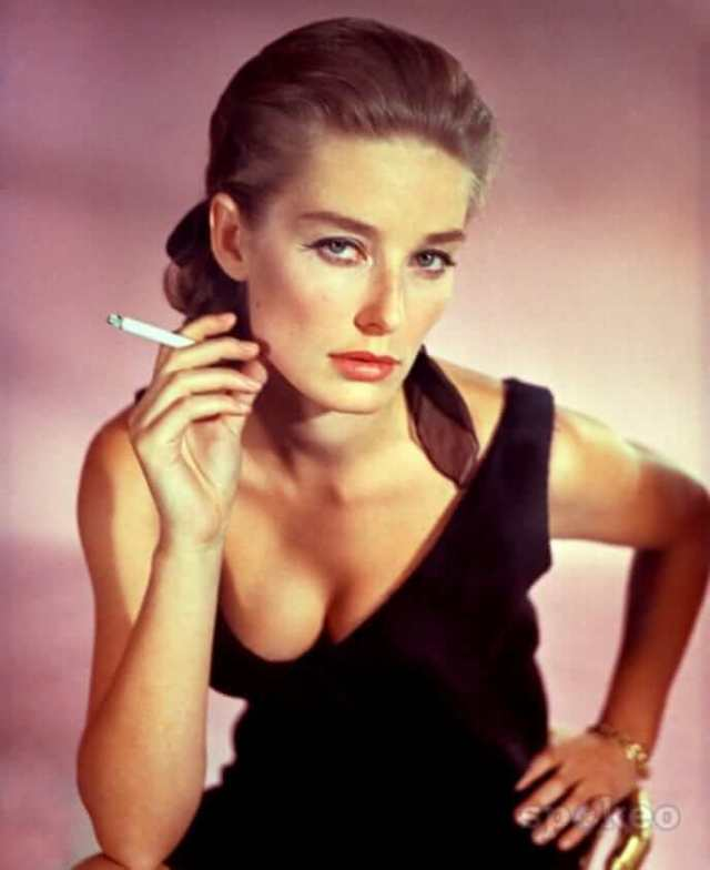 Tania Mallet sexy cleavage