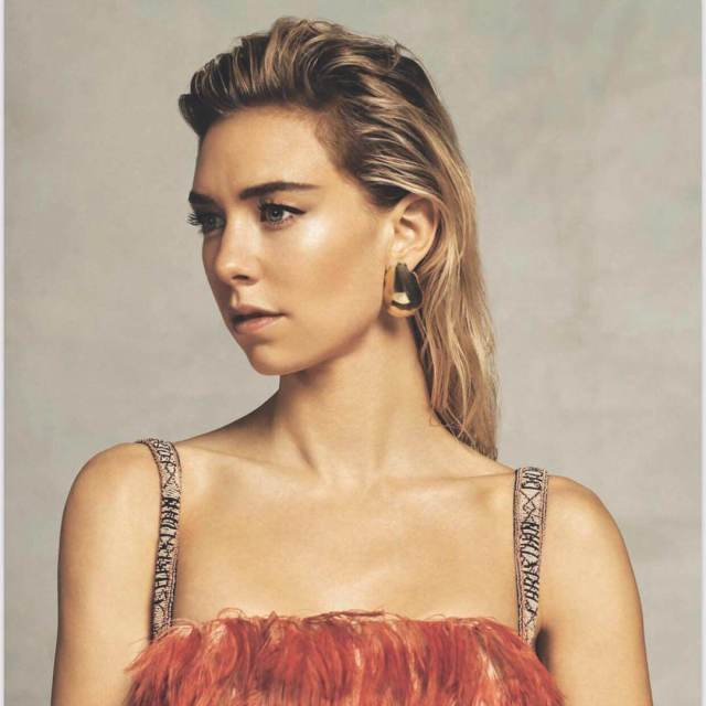 Vanessa Kirby sexy cleavages pcitures