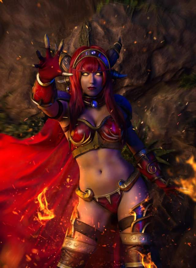 Ysera hot navel pic (2)