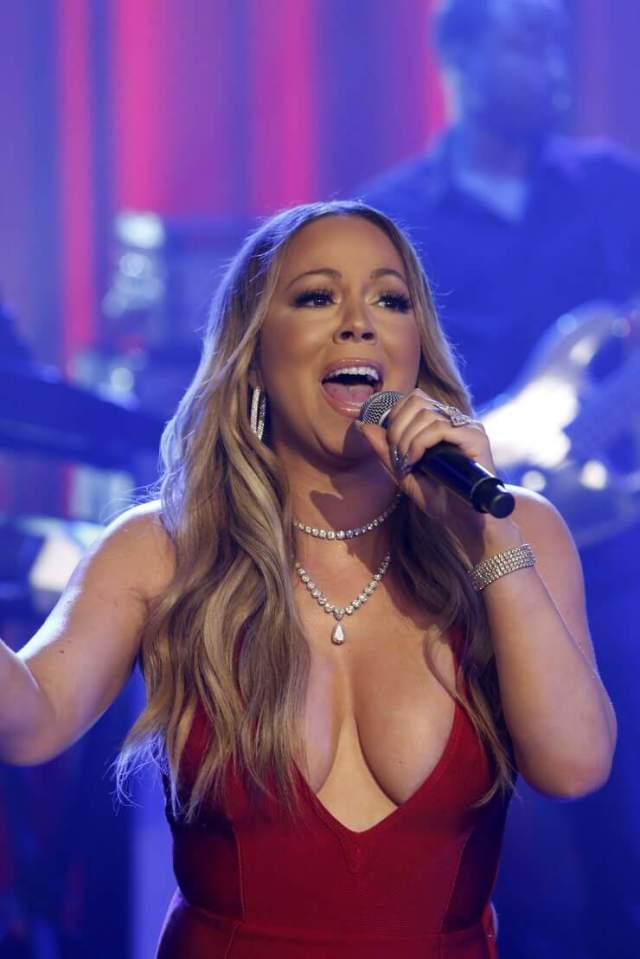 mariah carey sexy cleavage