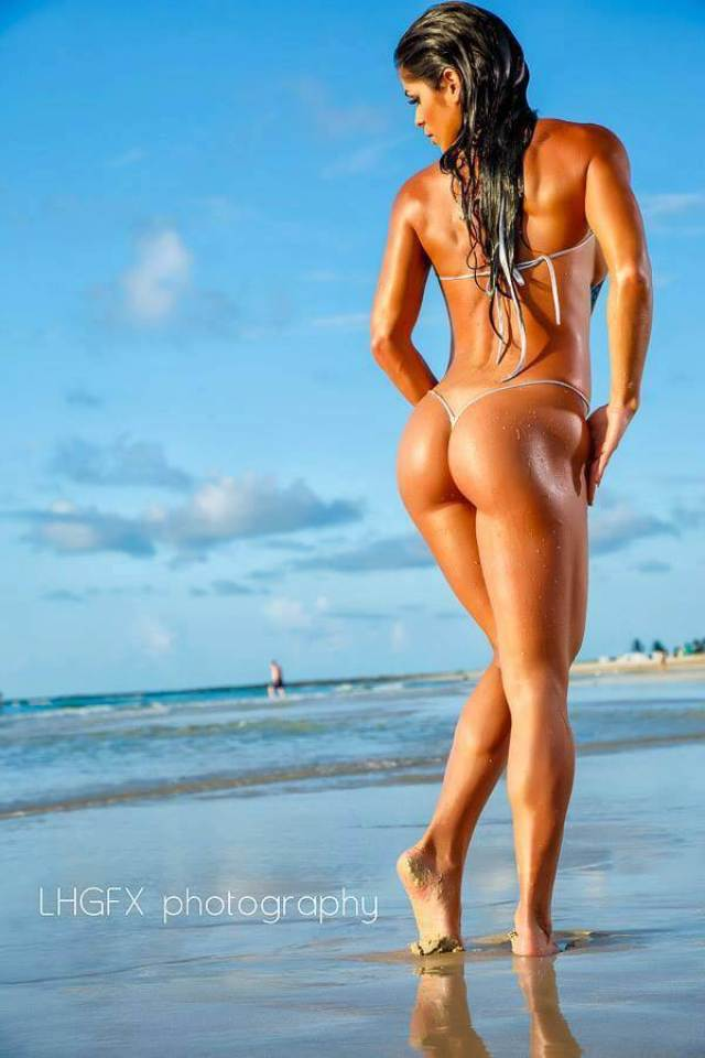 michelle lewin sexy ass pics