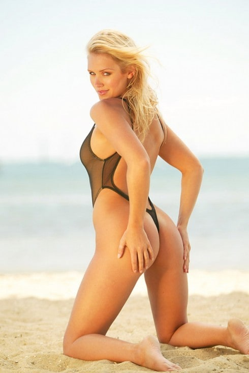 nicky whelan ass
