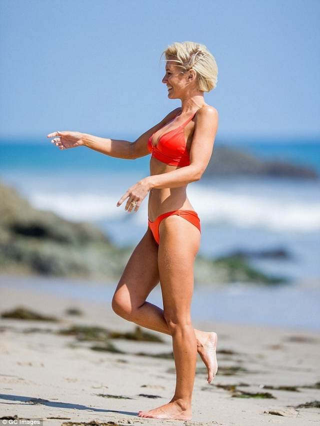 nicky whelan red bikini