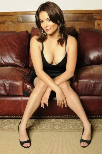 Alisa Reyes sexy pictures