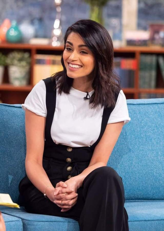 Bhavna Limbachia hot side picture (2)
