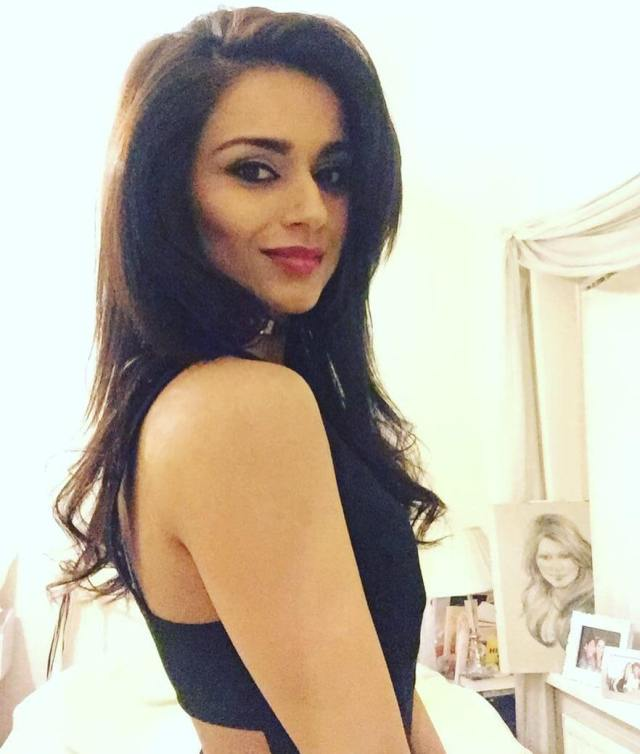 Bhavna Limbachia hot side picture