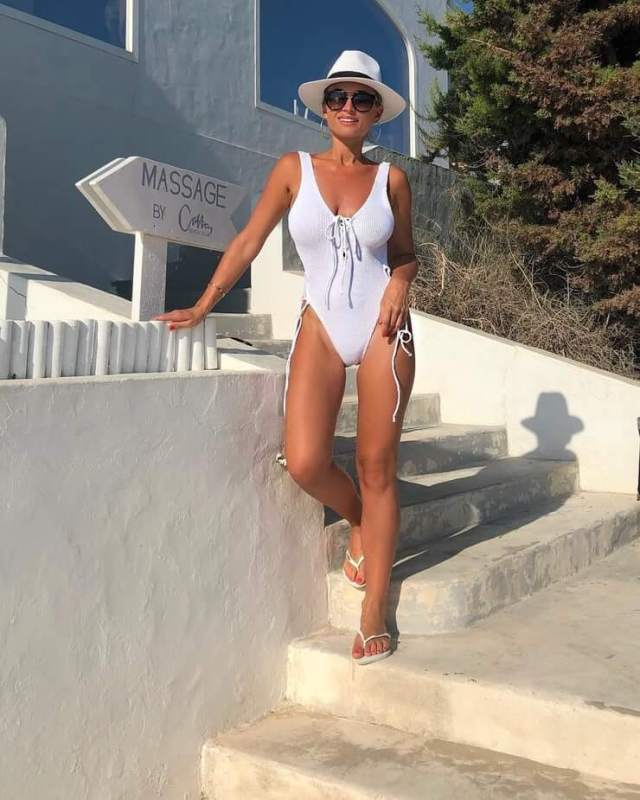 Billie faiers hot photos