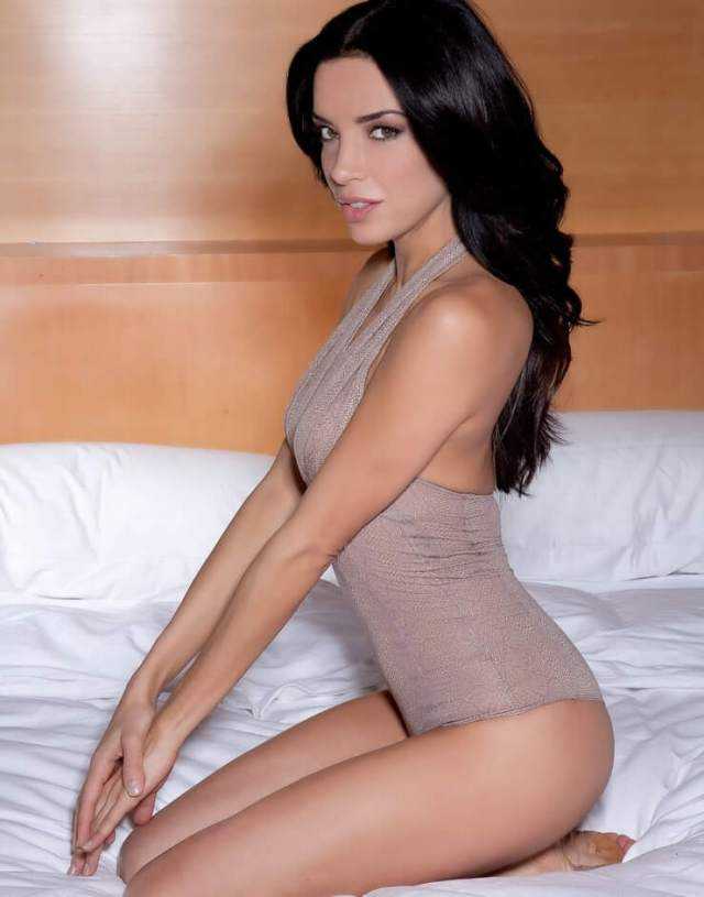 Claudia Salinas sexy side picture