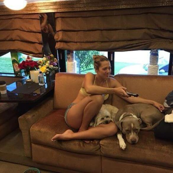 Colbie Caillat feet hot pic