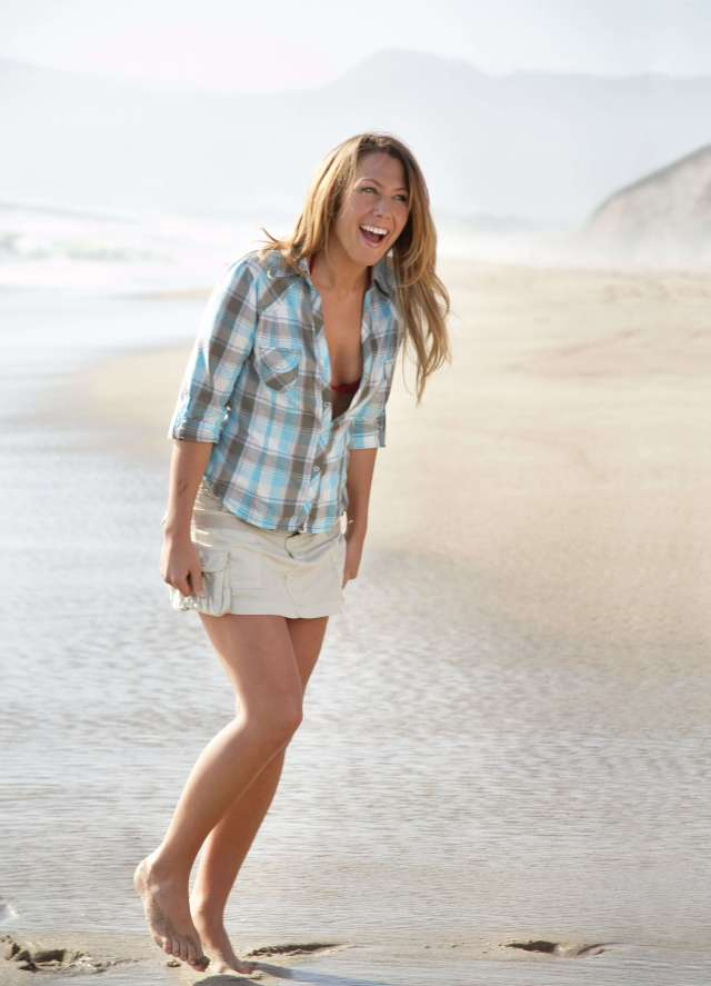 Colbie Caillat thighs pic