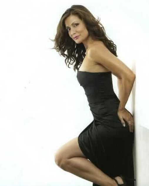 Constance Marie sexy side pciture