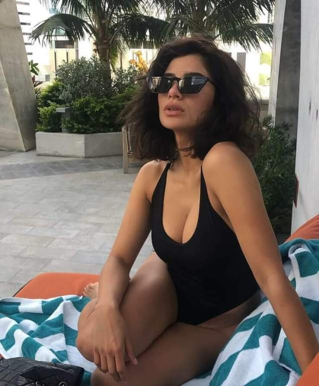 Diane Guerrero awesome side boobs