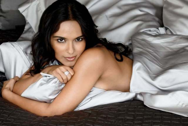Dilshad Vadsaria near nude