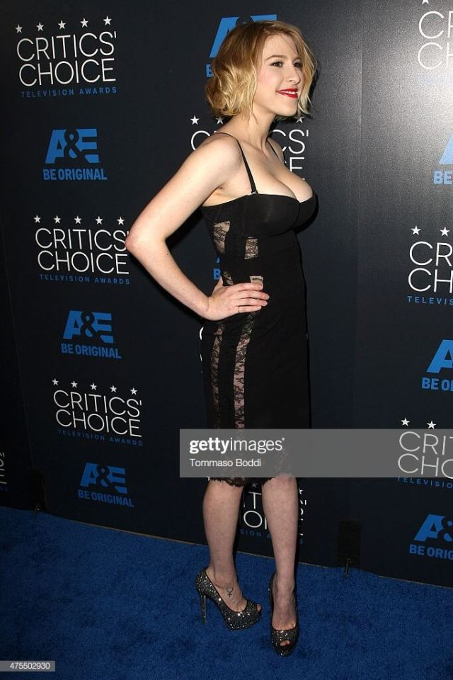 Eden Sher cleavages pic
