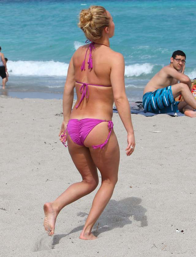 Hayden Panettiere hot ass