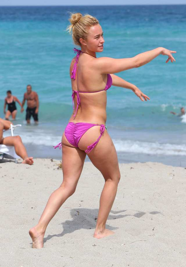 Hayden Panettiere hot butts pic