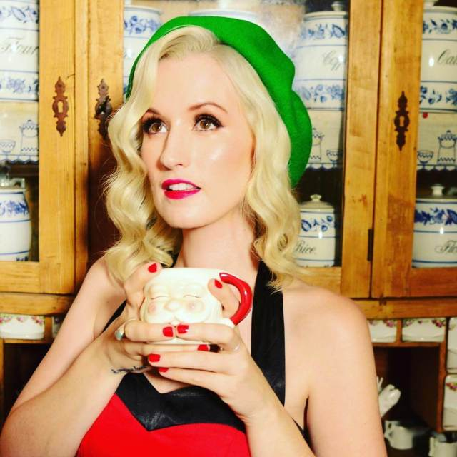 Ingrid Michaelson sexy look pic