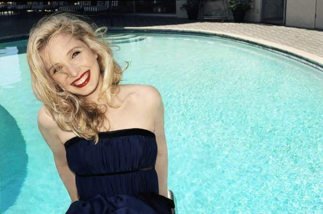 Julie Delpy awesome pics (3)