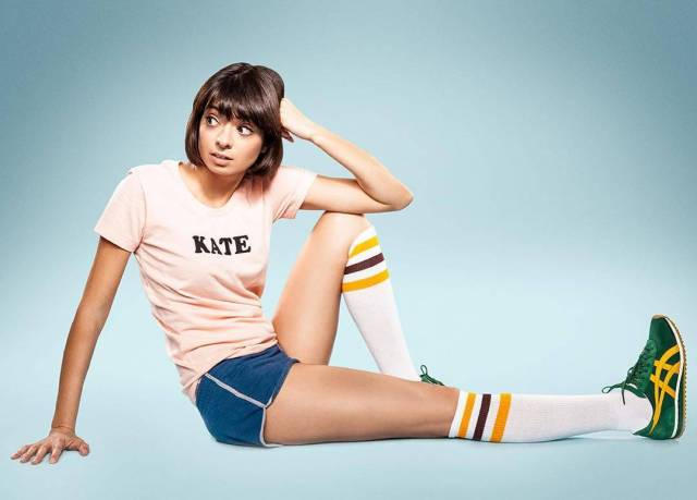 Kate Micucci hot thighs (2)