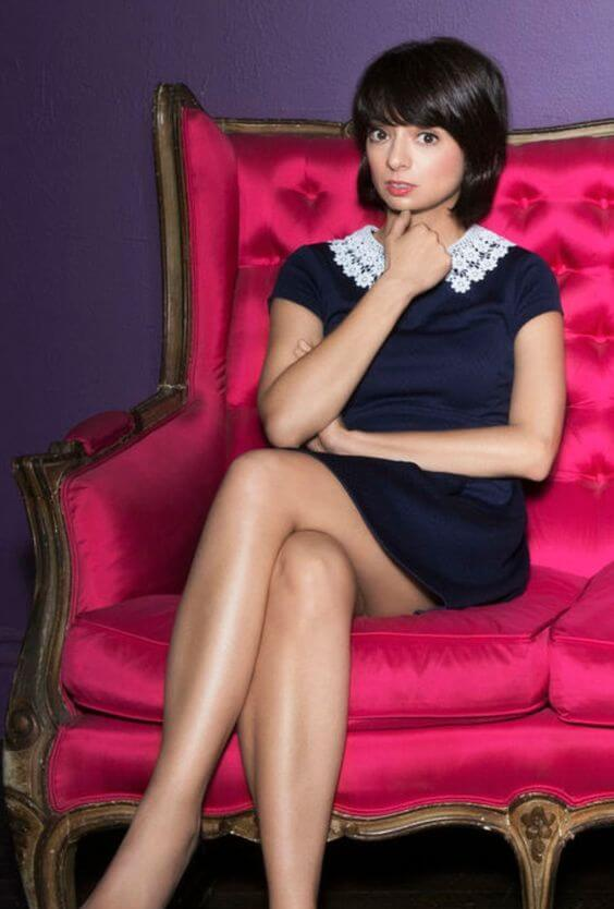 Kate Micucci sexy legs