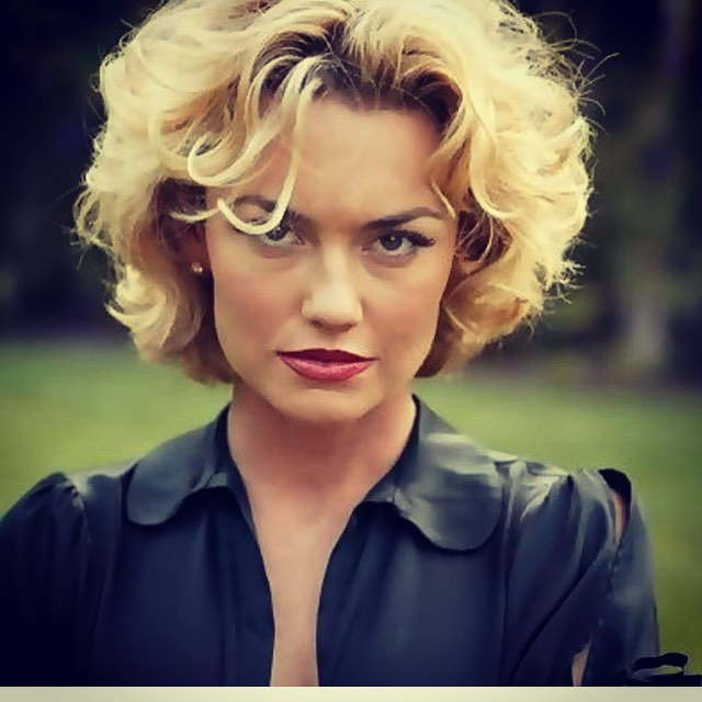 Kelly Carlson on Photoshoot
