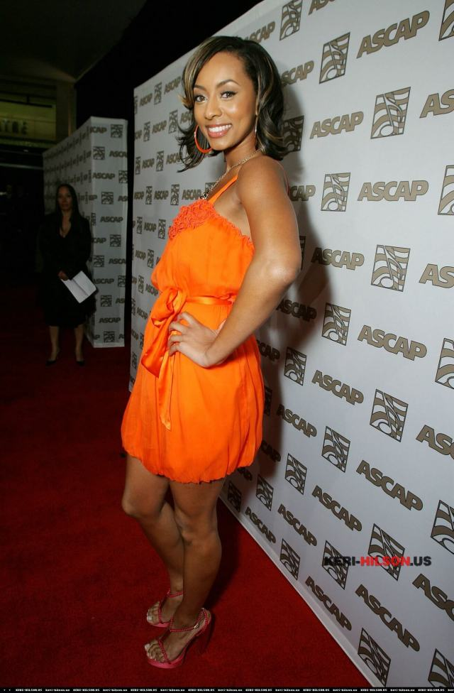 Keri Hilson sexy side look pic