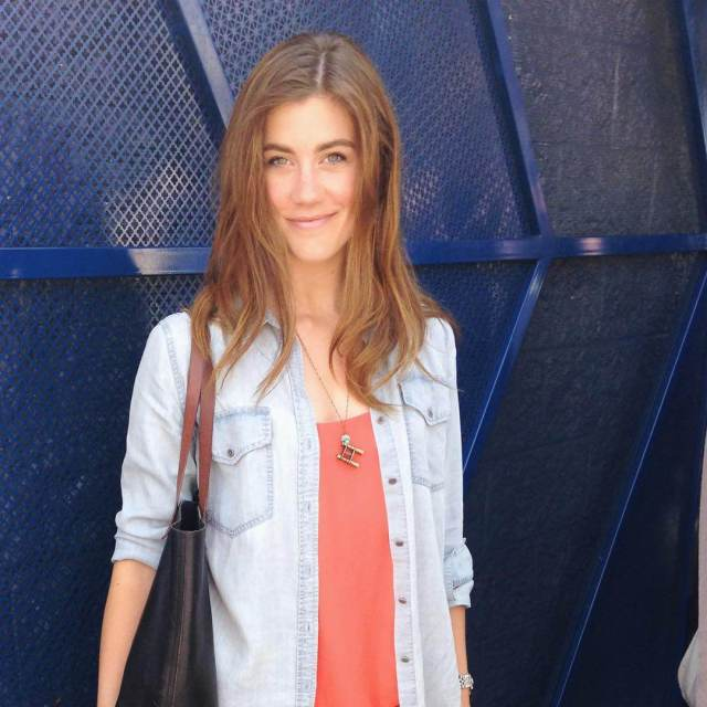 Laura Dreyfuss awesome photos