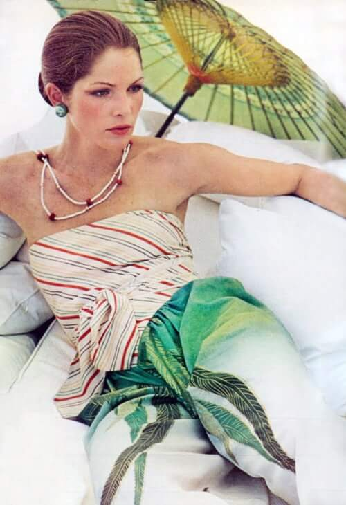 Lois Chiles sexy (2)